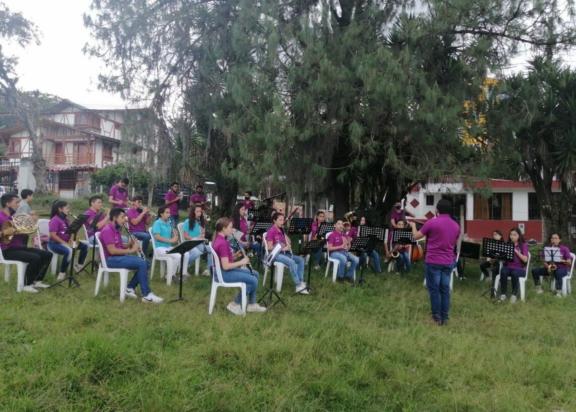 Banda prácticas 4