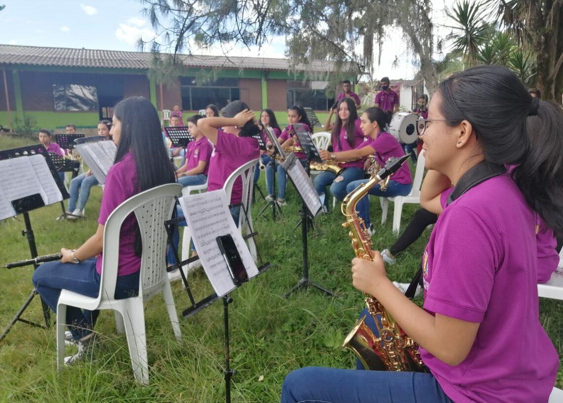 Banda prácticas 5